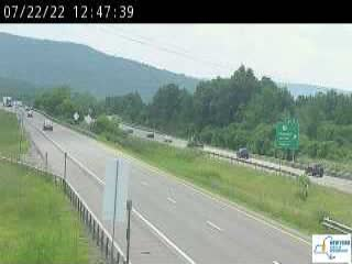 Traffic Cam I-81 north of Exit 16 (Nedrow)
